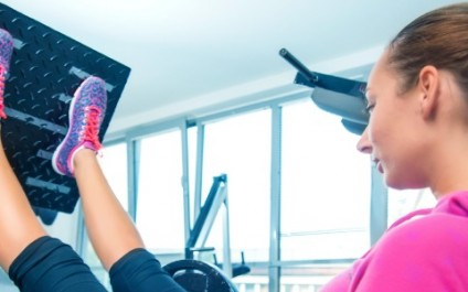 5 strength machines every women should use