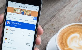Google makes mobile search a priority