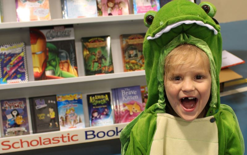 monster-book-fair-family-fun_0731
