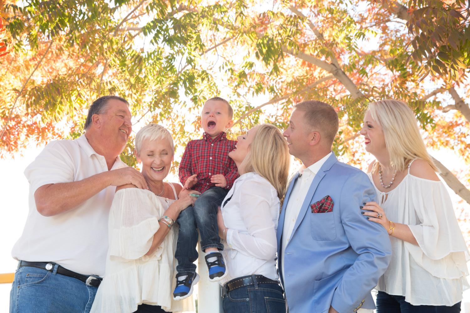 Family_Portraits_2Q==-14