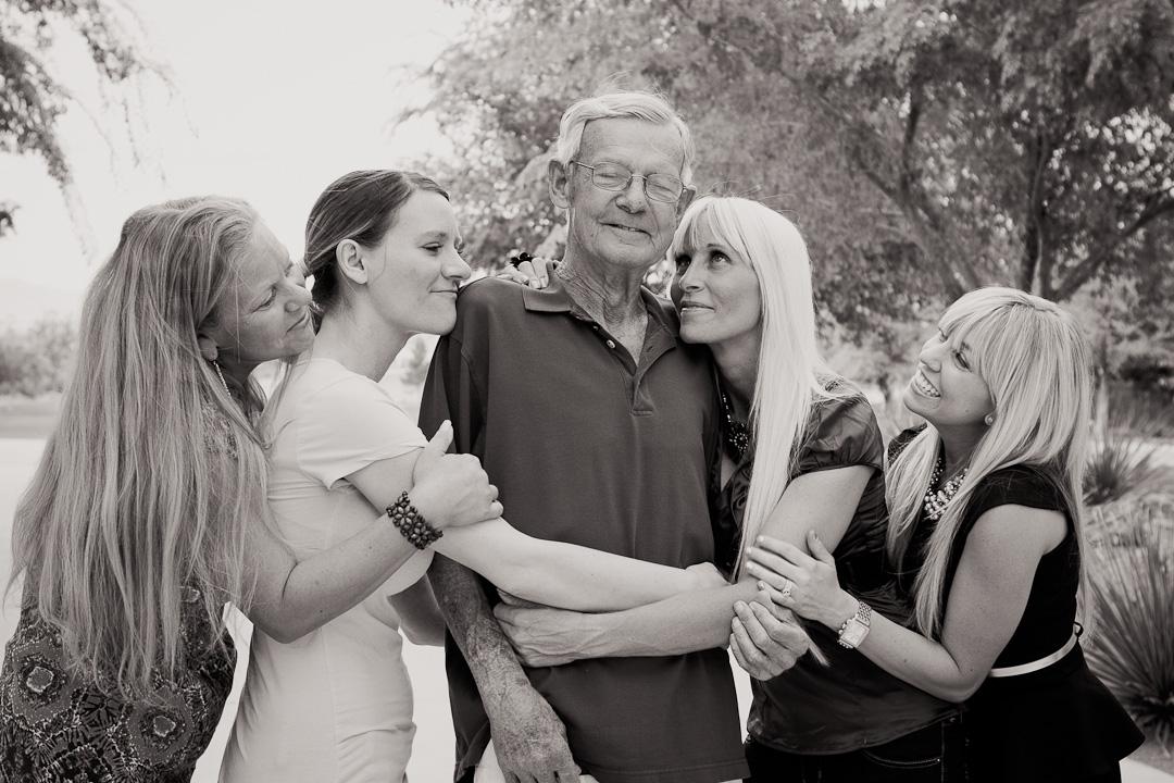 Family_Portraits_2Q==-9