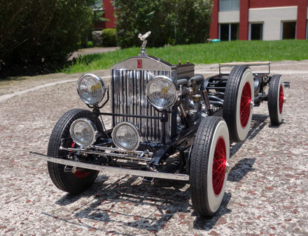 First pictures of the Model Motorcars scale rolling chassis