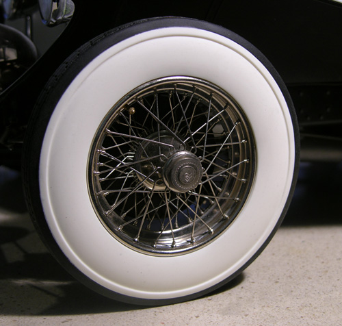 Rolls-Royce Replacement Tires in whitewall