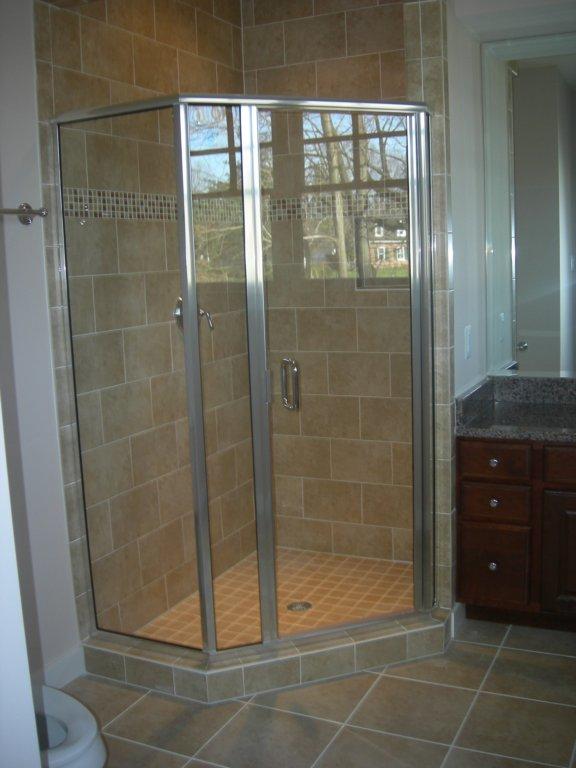 Semi-Frameless Door & Panel with Return-min