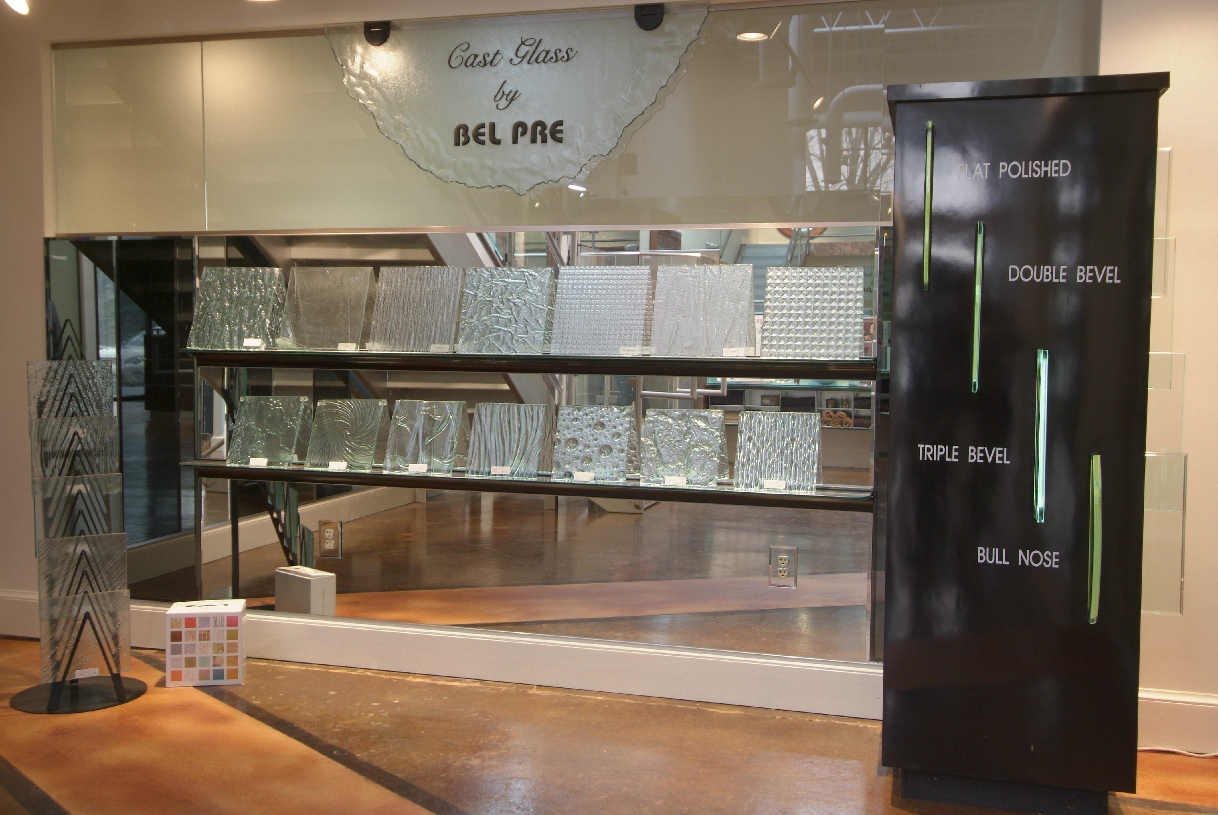 Showroom 22 - Cast Glass Display-min