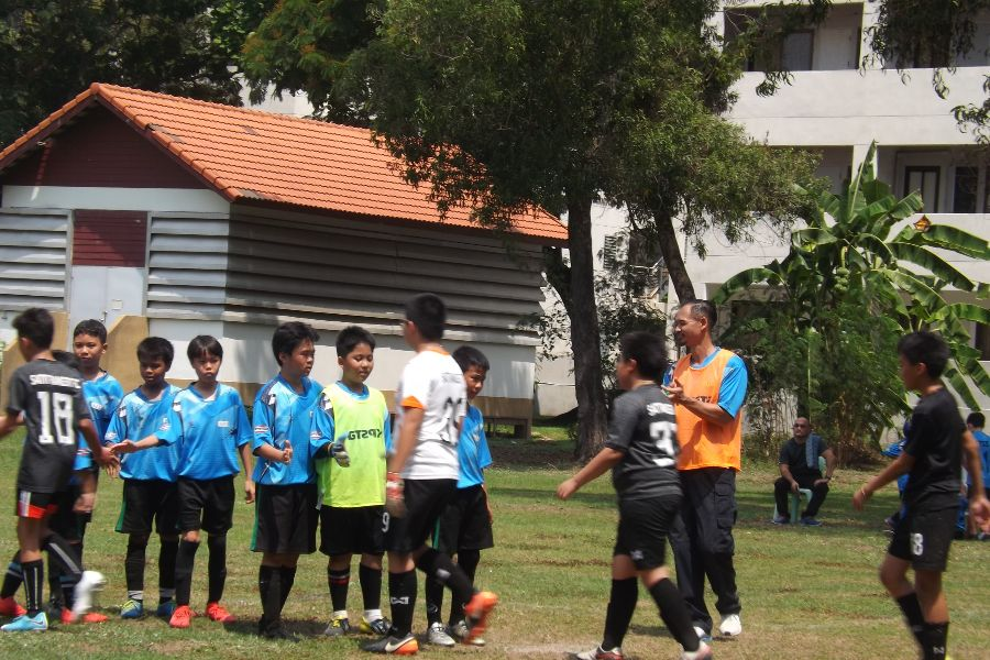 Football AITIS-Satit_100
