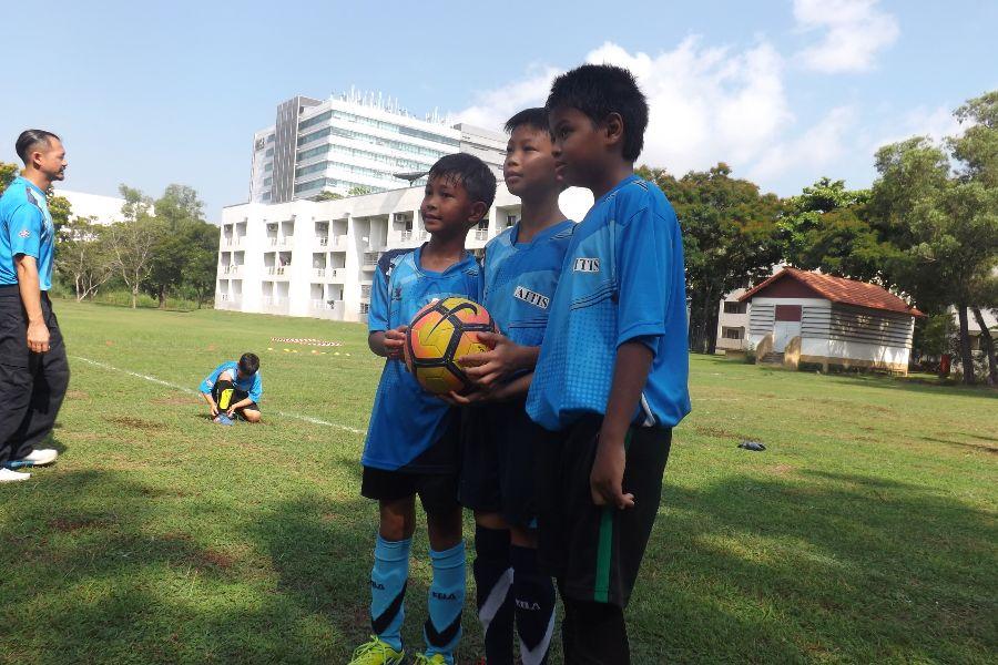Football AITIS-Satit_27