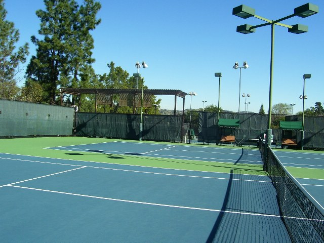 spectator-viewing-area-in-the-middle-of-our-six-tennis-courts