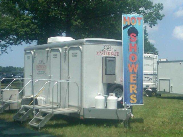 Portable Showers - Perrysburg, Maumee, Toledo | C&L Sanitation